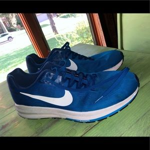 men's (ALMOST NEW) nike shoes